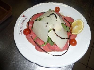 Carpaccio di Manzo con Rucola e Parmigiano